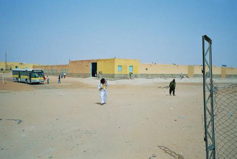 saharauis-desierto.jpg